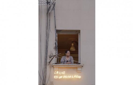 """Beatriz Millón, """"La luz es un privilegio"""" (2018)"""